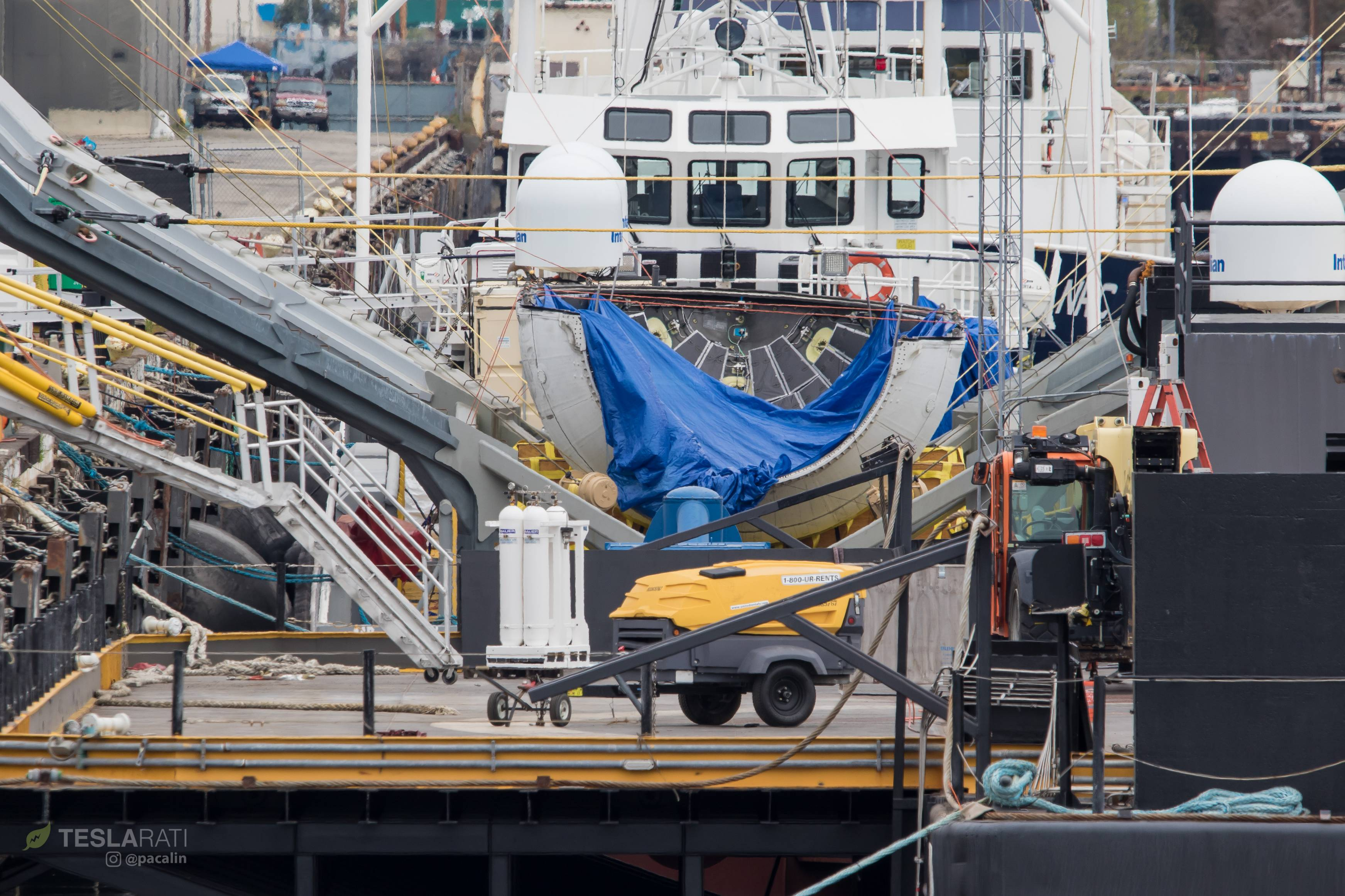 spacex heavy fairing recovery - HD1200×800